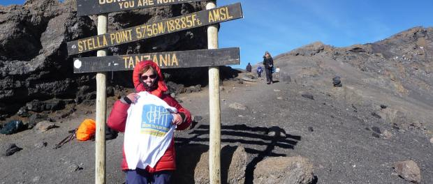 Sara Lee climbs Mount Kiliamjaro